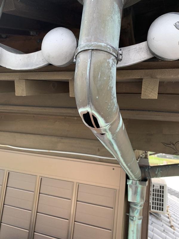 徳島県阿南市 外装リフォーム 現場調査 雨樋の割れ・雨樋の役割