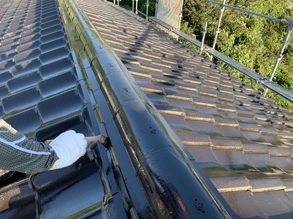 徳島県吉野川市 屋根塗装 中塗り なぜ3度塗りが必要なのか 基準塗布量とは