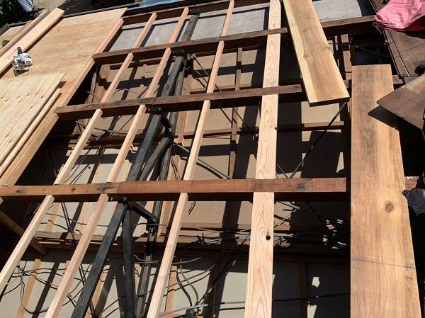 徳島県小松島市 N様邸 屋根葺き替え工事 下地の補強・張替え 野地板とは (4)