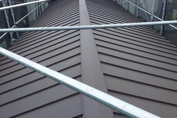 徳島県徳島市 I様邸 屋根葺き替え工事 立平嵌合式とは 葺き替え完了