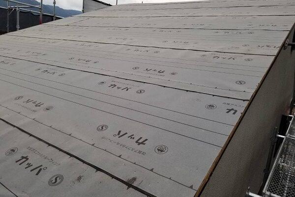 徳島県三好郡東みよし町 屋根葺き替え工事 野地板張り 防水シート (1)