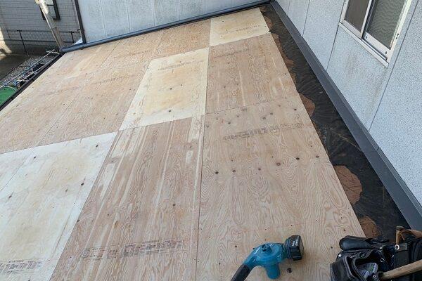 徳島県小松島市 N様邸 屋根葺き替え工事 下地の補強・張替え 野地板とは (1)