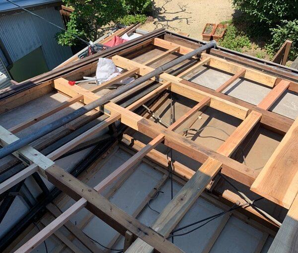 徳島県小松島市 N様邸 屋根葺き替え工事 下地の補強・張替え 野地板とは (5)