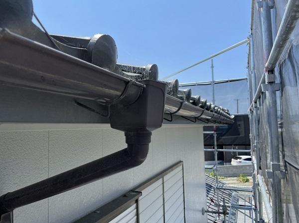 徳島県徳島市 H様邸 屋根葺き替え工事・破風板金交換・樋交換・外壁塗装 雨樋の役割 破風とは (1)